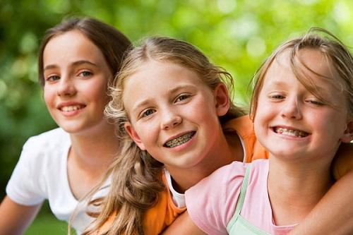 Trẻ em bao nhiêu tuổi thì được niềng răng chỉnh hình thẩm mỹ?